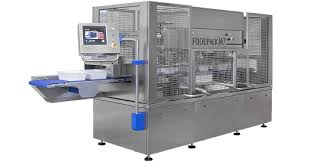 VERSATILITY, COMPACTNESS AND RELIABILITY The new line of heat sealing machines: Foodpack Hyper